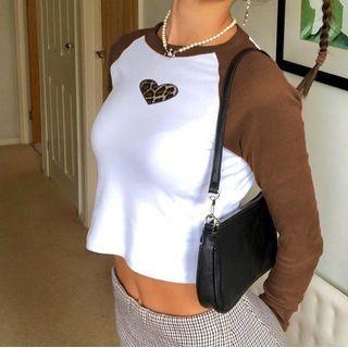 Trisica - Raglan Sleeve Leopard Print Heart Cropped T-Shirt