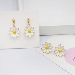 Scoria - Daisy Ear Stud / Drop Earring / Clip-On Earring