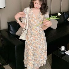 Tiny Times - Puff-Sleeve Floral Print Midi A-Line Chiffon Dress
