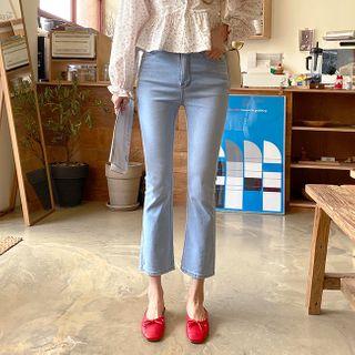 Cherryville - Semi Boot-Cut Jeans