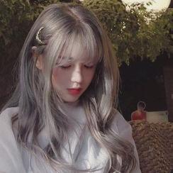 Anolyn - Peluca larga - Rizada (red para el pelo + gris lechoso)