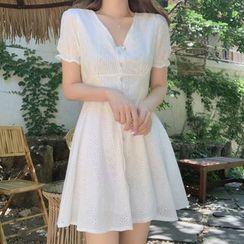 Leoom - Short-Sleeve Lace A-Line Dress