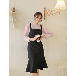 J-ANN - Ruffle-Hem Jumper Dress
