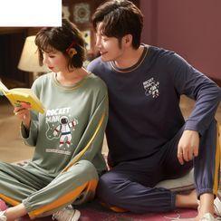 PJ Party(PJパーティー) - Couple Matching Pajama Set: Print Top + Pants