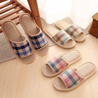 Showroom - Plaid Home Slippers