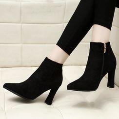 Deree - 粗跟尖头踝靴
