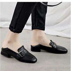 Freesia - 仿皮饰扣低跟乐福鞋