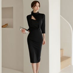 Elmiko - 3/4-Sleeve Cutout Mock-Neck Midi Sheath Dress