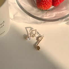 Calypso(カリプソ) - Non-matching Rhinestone Music Note Earring
