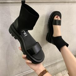 WesWes - High-Top Sandals
