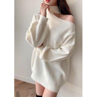 chuu - Turtleneck Cutaway Sweater