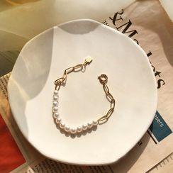 Yambo - Faux Pearl Bracelet