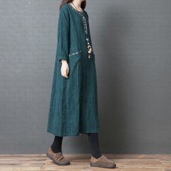 INEN - Flower Embroidered Long-Sleeve Midi Shift Dress