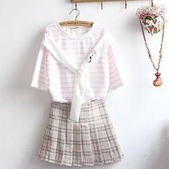 akigogo - 套装: 中袖小猫刺绣上衣 + 格子百褶迷你裙