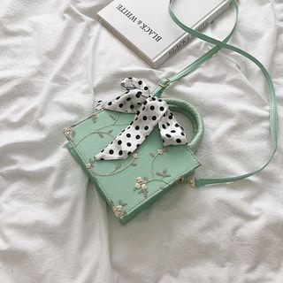 Bag Gang - Floral Embroidered Handbag