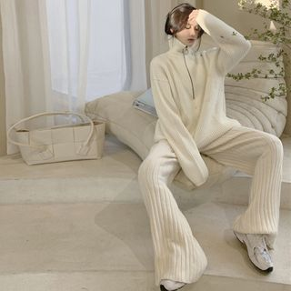 Alfie - Turtle-Neck Loose-Fit Sweater / Knit Pants