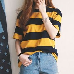 Manki - Short-Sleeve Striped T-Shirt