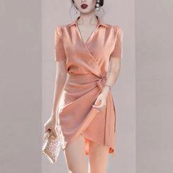 Aurora - 饰领捆绑带迷你塑身连衣裙