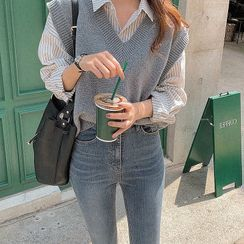 Antoinine - Striped Shirt / Sweater Vest / Cropped Skinny Jeans
