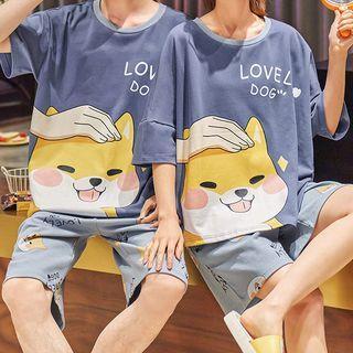 Lion Sniff - 情侶款家居服套裝: 短袖狗印花上衣 + 短褲