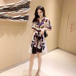Octokan - Elbow-Sleeve Printed Corset Waist Mini Shirt Dress