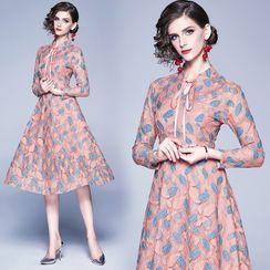 Yonna - Long-Sleeve Leaf Print A-Line Lace Dress