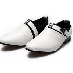 MARTUCCI - Belted Pointy Loafers