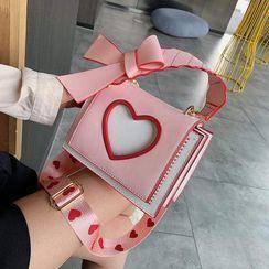 Fianna(フィアナ) - Heart Crossbody Bag