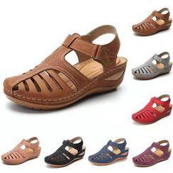 Weiya(ウェイヤ) - Perforated Cutout Wedge Heel Sandals