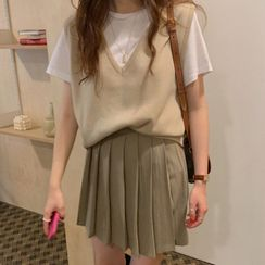 monroll - Short-Sleeve T-Shirt / V-Neck Knit Vest / Pleated Mini A-Line Skirt