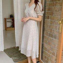 Leoom - 泡泡袖碎花雪紡A字連衣中裙
