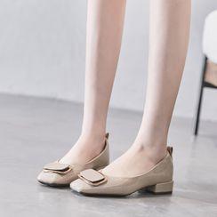 Siji - Low-Heel Square Toe Pumps