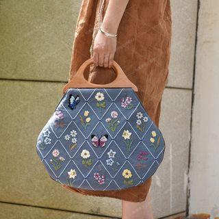 Embroidery Kingdom - Flower & Butterfly Handbag DIY Embroidery Kit