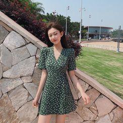 Lushii - Short-Sleeved Floral Mini Wrap Dress
