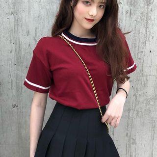 Guajillo - Short-Sleeve Contrast Trim T-Shirt / Mini Pleated Skirt