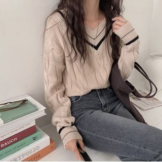 Leoom - V-neck Sweater