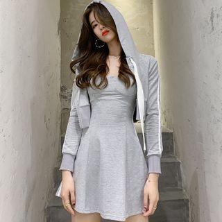 Butterzone - 套装: 条纹连帽短款拉链夹克 + 细肩带迷你A字连衣裙