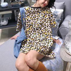Tiny Times - Leopard Print Elbow-Sleeve T-Shirt
