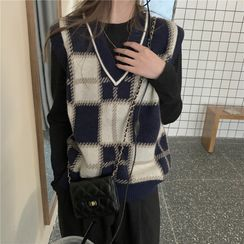 Moon City - Plaid Knit Vest
