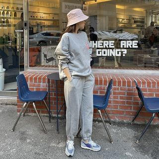 HOTPING - Print Sweatshirt & Jogger Sweatpants Set