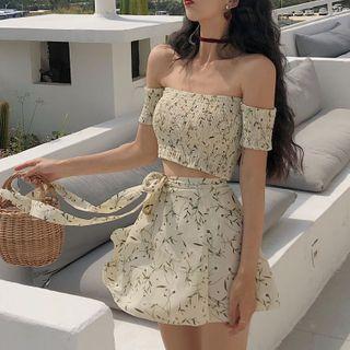 Astarte - Set: Floral Print Off-Shoulder Cropped Top + A-Line Mini Skirt