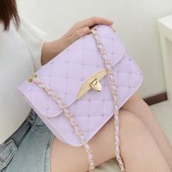 BAGuette - Quilted Chain Strap Shoulder Bag