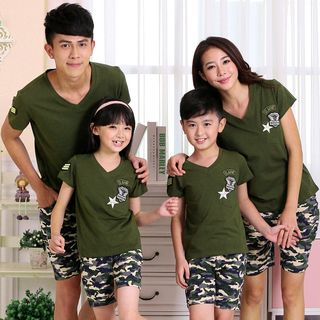 Hinode - 親子裝套裝: 補丁刺繡短袖T恤 + 迷彩短褲
