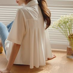 JUSTONE(ジャストワン) - Short-Sleeve Pleated Blouse