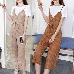 Ashlee - 套裝: 純色短袖T恤 + 蕾絲細肩帶寬腿吊帶褲