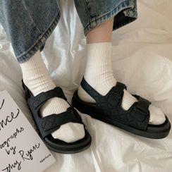 Honkizz - Buckled Platform Sandals