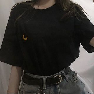 Ukiyo - Moon Embroidered Elbow-Sleeve T-Shirt