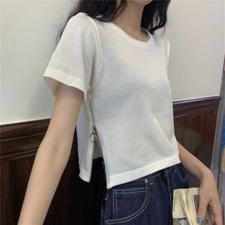 Yako(ヤコ) - Short-Sleeve Zip-Accent Cropped T-Shirt