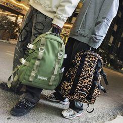 EAVALURE(イーヴァルア) - Plain Zip Backpack