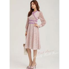 Styleonme - Frill-Trim Chiffon-Sleeve Midi Floral Dress